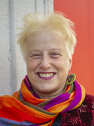 Gudula Meinzolt – Distributor & Trainer